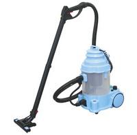 Aspiratorul cu apa utilizeaza apa pentru filtrare.