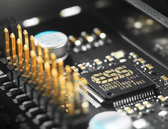 Chipul de conversie este pe 8 canale, modelul Sabre 9018S de la ESS