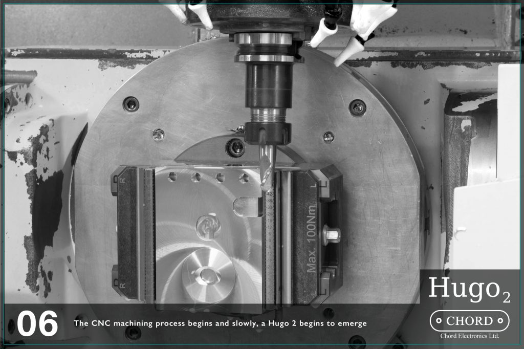 Masinaria CNC debuteaza, si incet, un Hugo 2 incepe sa ia forma.